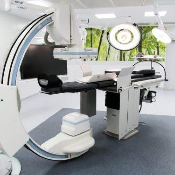 Salle d'opération hybride de chirurgie cardiaque – Hôpital Européen Georges Pompidou